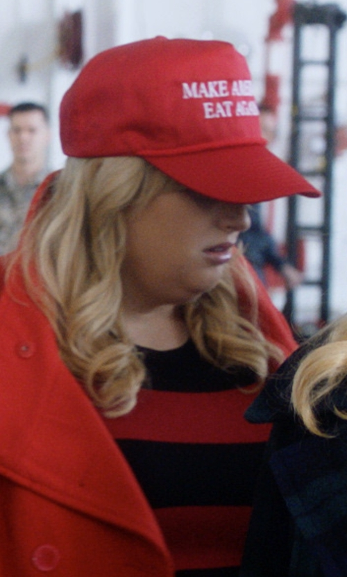 Rebel Wilson with Nissin Cap Make America Great Again Snapback Hat in Pitch Perfect 3