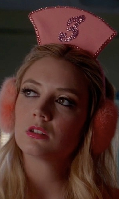 Billie Lourd with Kiz Muff Custom Made Ear Muffs in Scream Queens