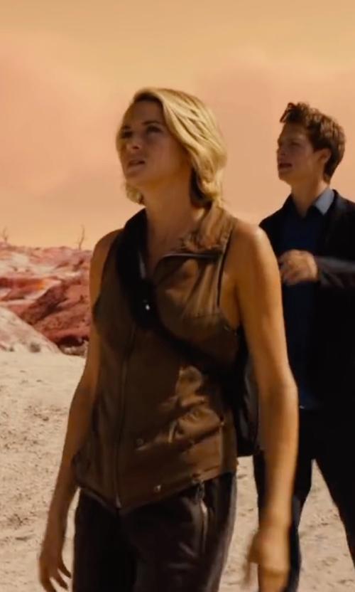 Shailene Woodley with Akwa Full Zip Soft Shell Vest in The Divergent Series: Allegiant