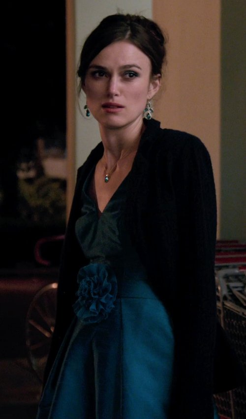 Keira Knightley with AarynK V-Neck Sleeveless Dress in Laggies