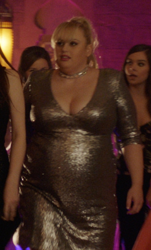 Rebel Wilson with Givenchy Crystal Choker Necklace in Pitch Perfect 3