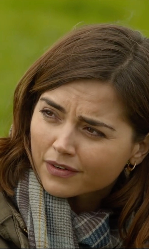 Jenna Coleman with Hickman & Bousfield Scarf in Me Before You