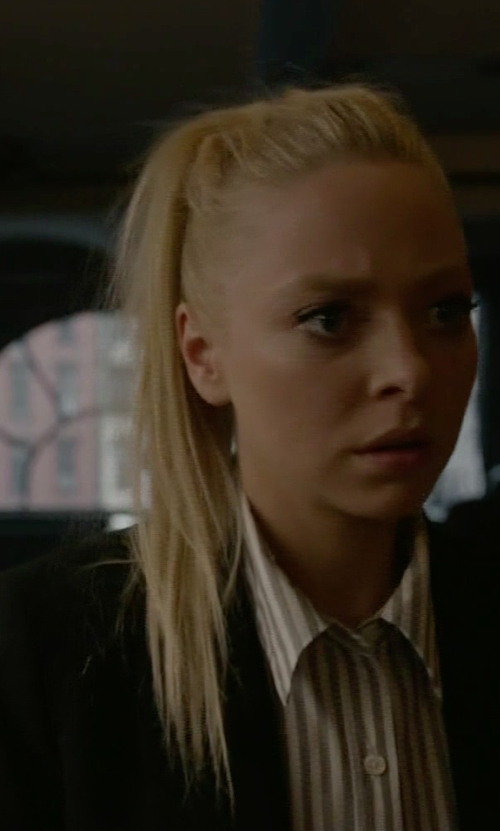 Portia Doubleday with Elizabeth And James Alex Stretch Crepe Blazer in Mr. Robot