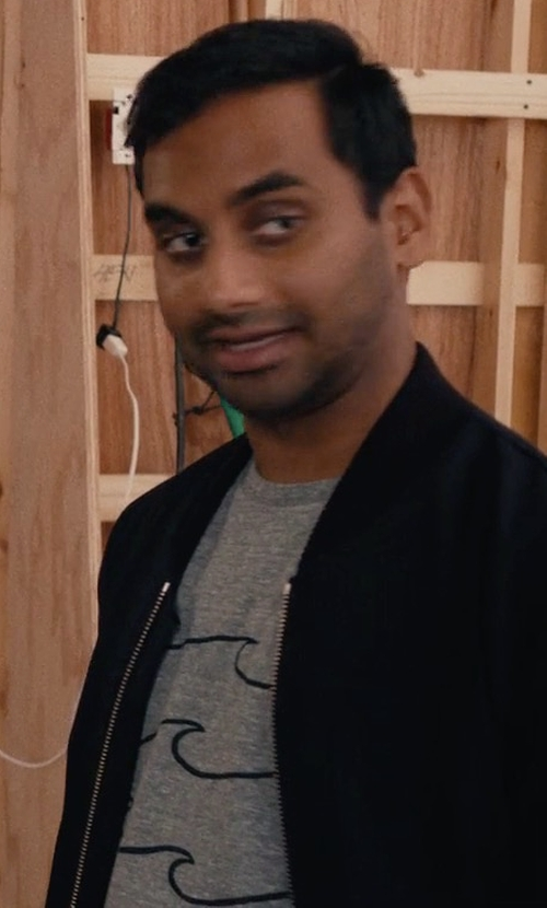 Aziz Ansari with Pier One Wave Print T-Shirt in Master of None