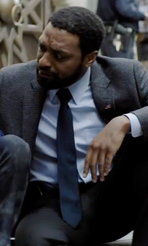 Chiwetel Ejiofor with Tommy Hilfiger Core Oxford Solid Tie in Secret in Their Eyes
