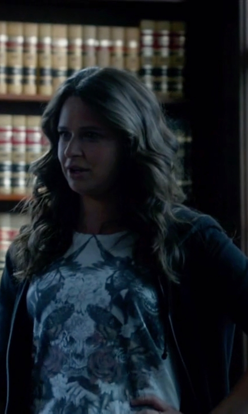 Katie Lowes with James Perse Vintage Fleece Hoodie in Scandal