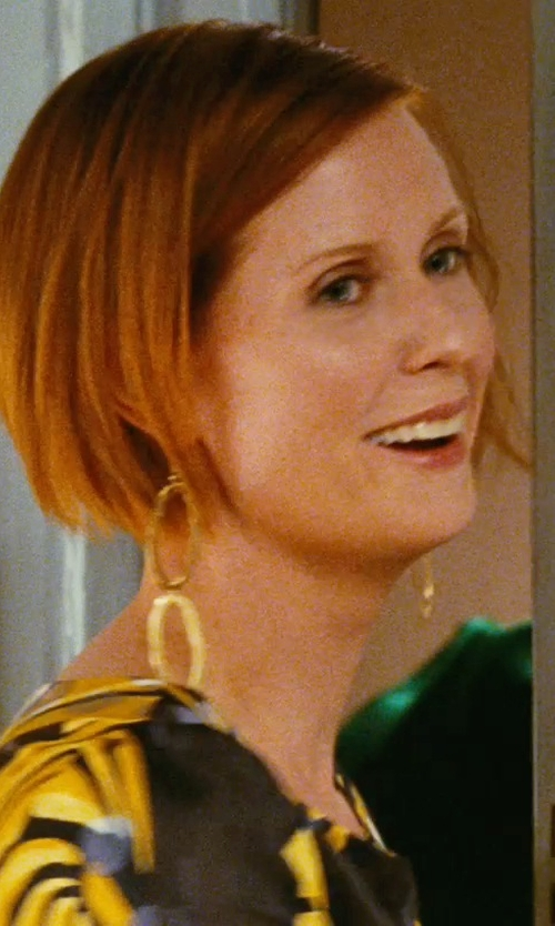 Cynthia Nixon with Philippa Roberts Large Double Oval Vermeil Earrings in Sex and the City