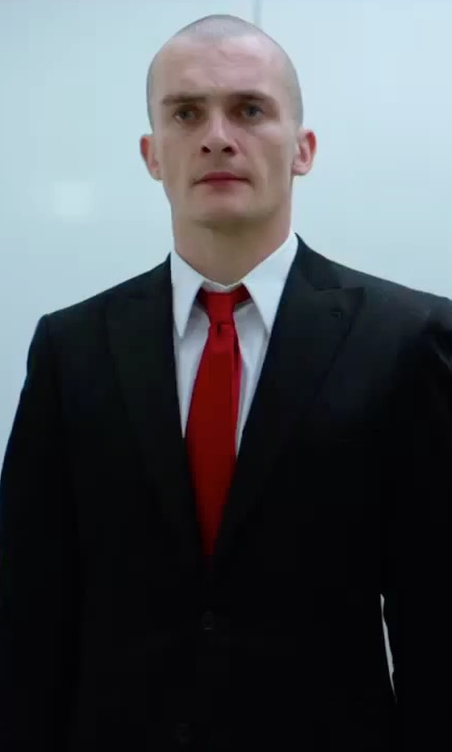 Rupert Friend with Brioni Solid Silk Satin Tie in Hitman: Agent 47