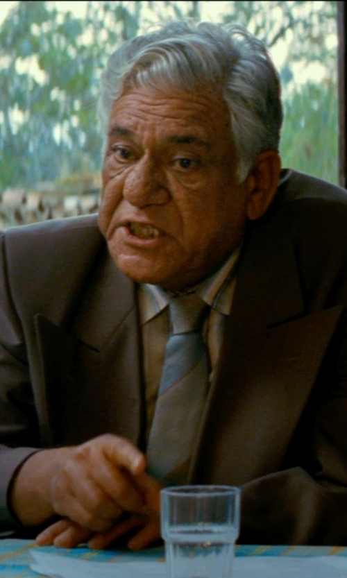 Om Puri with Armani Collezioni Woven Contrast Stripe Classic Tie in The Hundred-Foot Journey