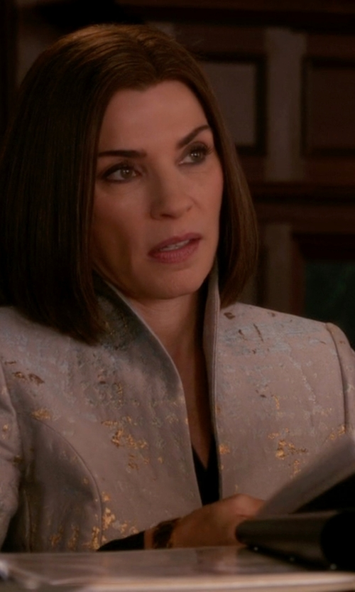 Julianna Margulies with Lafayette 148 New York MJ Kamala Line Jacket in The Good Wife