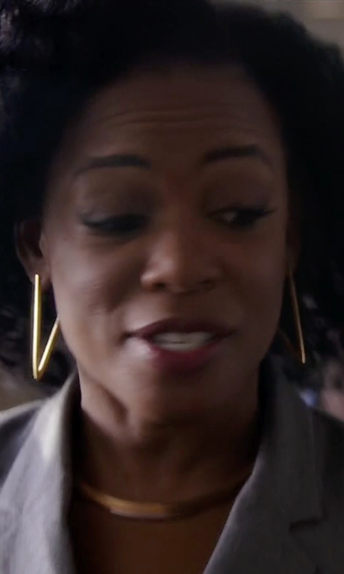 Aunjanue Ellis with Rebecca Minkoff V Hoop Earrings in Quantico