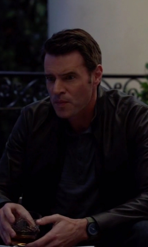 Scott Foley with M.O.M. Modena Day Date Rubber Strap Quartz Watch in Scandal