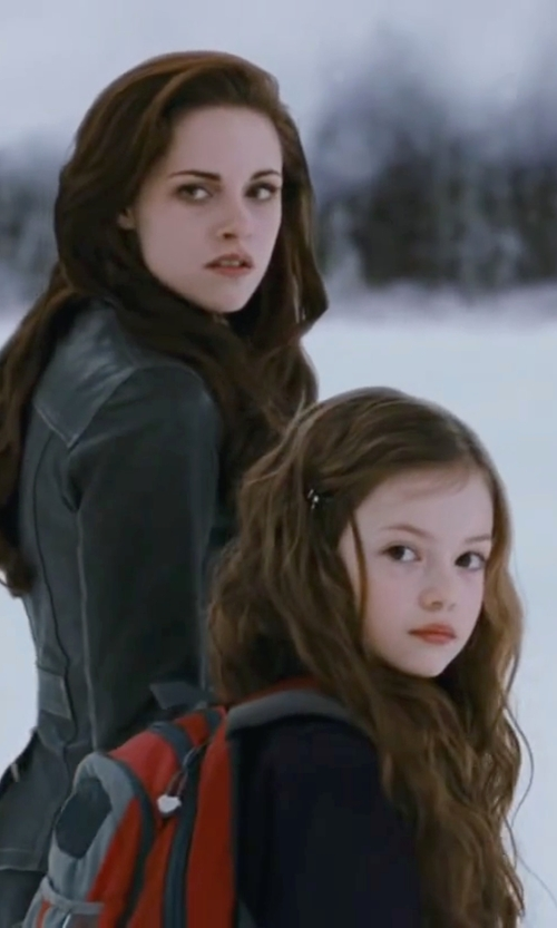 Mackenzie Foy with JanSport Colchuck Backpack Bag in The Twilight Saga: Breaking Dawn - Part 2