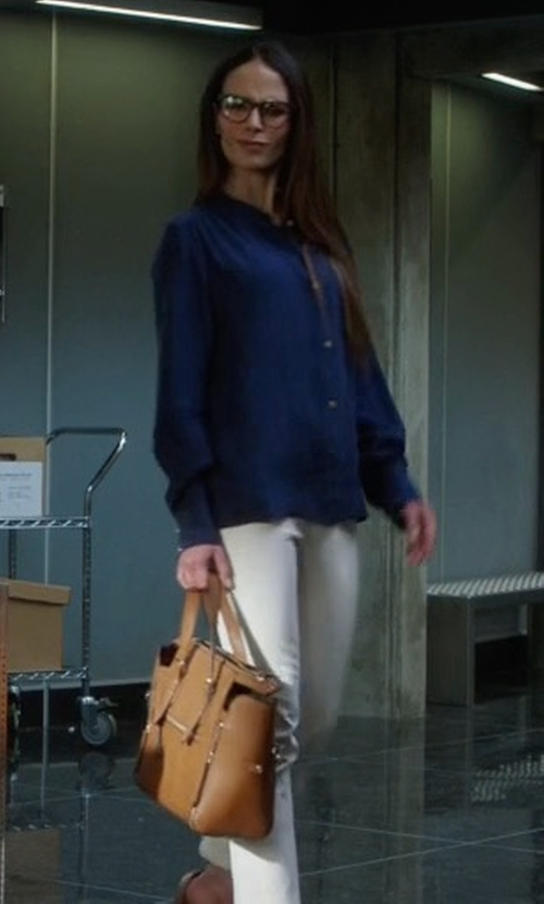 Jordana Brewster with Milly Astor Leather Tote Bag in Lethal Weapon