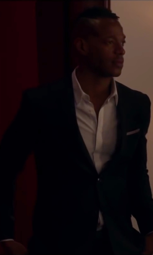 Marlon Wayans with Boss Hugo Boss Two-Piece Suit in Fifty Shades of Black