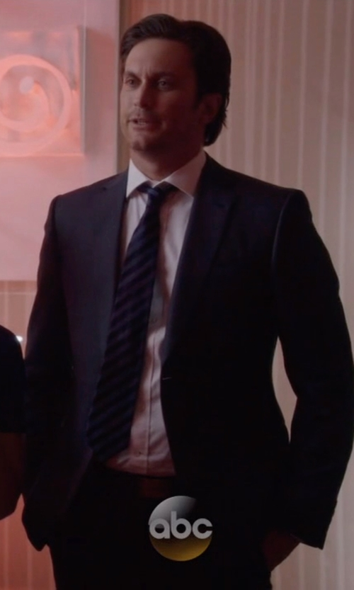 Oliver Hudson with Boglioli Two Piece Suit in Nashville