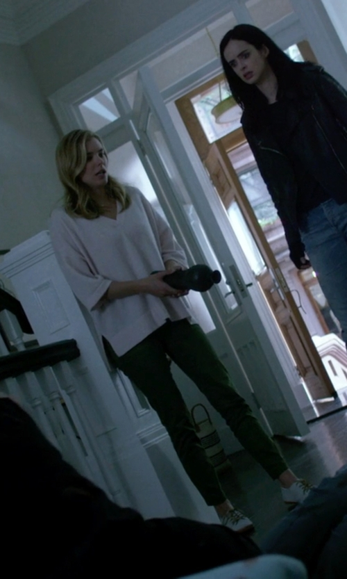Susie Abromeit with (+) People Casual Pants in Jessica Jones