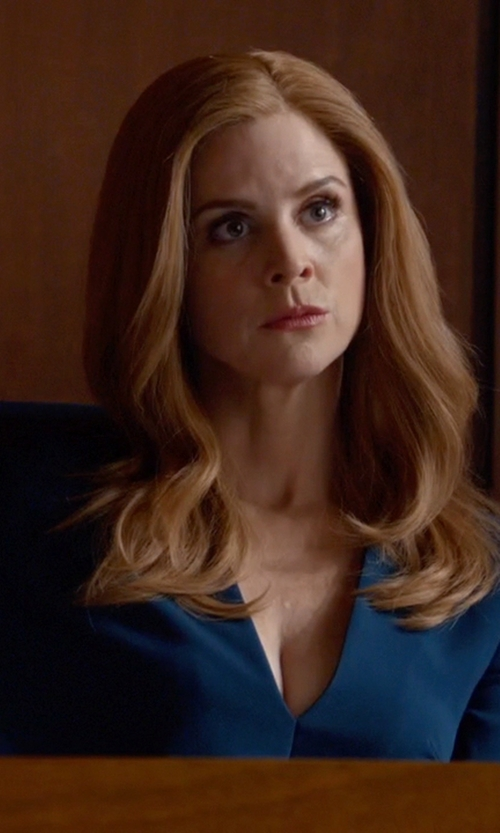 Sarah Rafferty with Cushnie Et Ochs V-Neck Dress in Suits