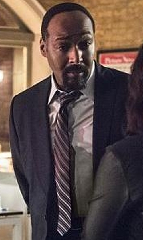Jesse L. Martin with John Varvatos Star USA Twisted Cable Stripe Classic Tie in The Flash