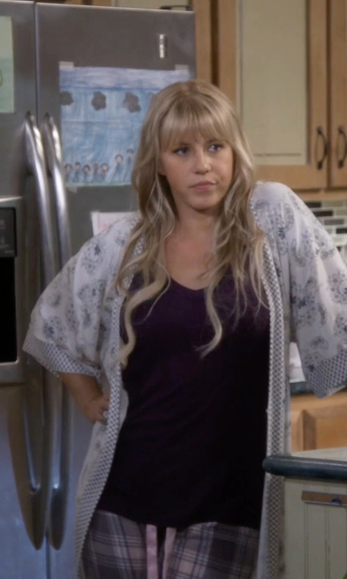 Jodie Sweetin with Splendid 1x1 Tank Top in Fuller House