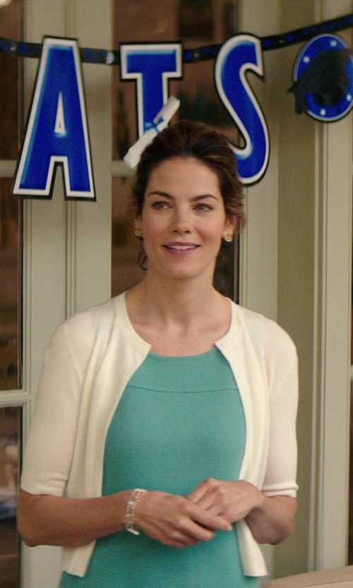 Michelle Monaghan with Akris Punto Essentials Wool Cropped Cardigan in The Best of Me