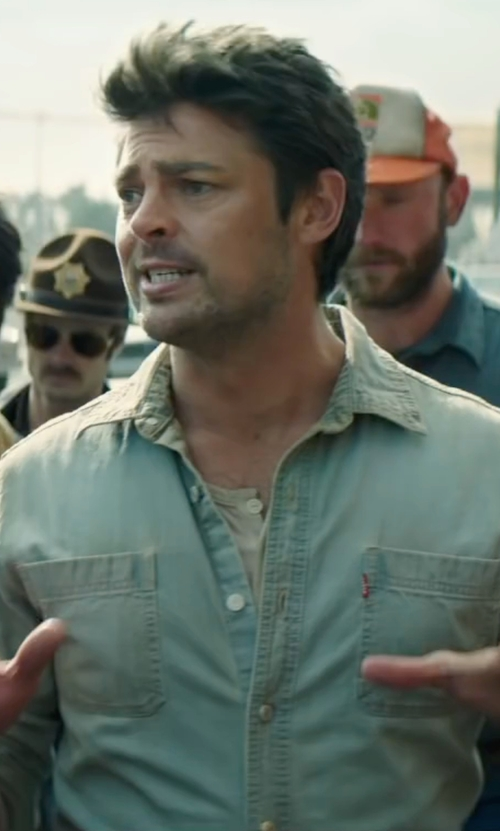 Karl Urban with Levi's Cotton Classic Denim Button Up Casual Dress Shirt in Pete's Dragon