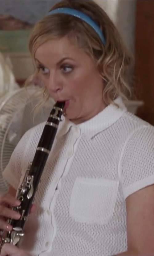 Amy Poehler with Jean Paul USA CL-300 Student Clarinet in Sisters