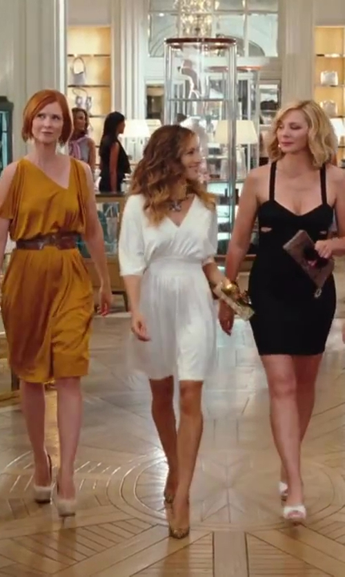 Sarah Jessica Parker with Halston Heritage V-Neck Jersey Dress in Sex and the City 2
