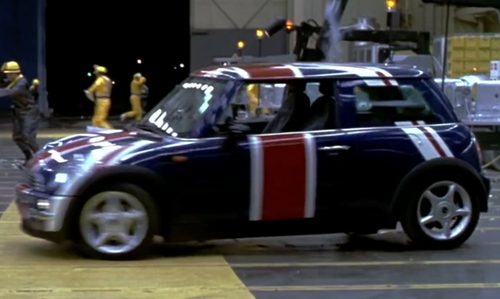 Mike Myers with Mini Cooper Coupe in Austin Powers in Goldmember