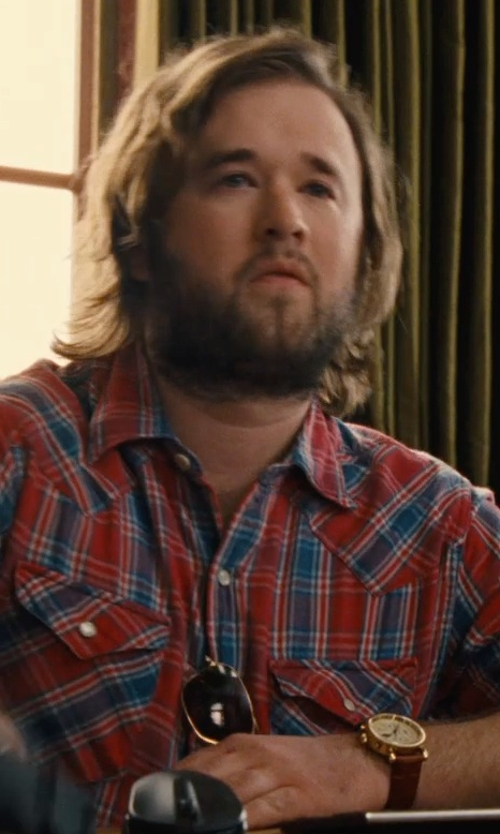 Haley Joel Osment with Seiko Solar Leather Watch in Entourage