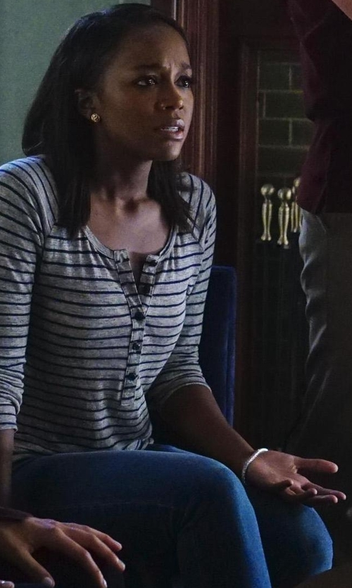 Aja Naomi King with Sydney Evan Pyramid Beaded Stretch Bracelet in How To Get Away With Murder