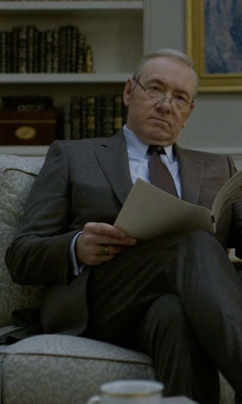 Kevin Spacey with Brioni Wool-Silk Two-Button Suit in House of Cards