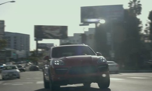 Mark Wahlberg with Porsche Cayenne in The Gambler