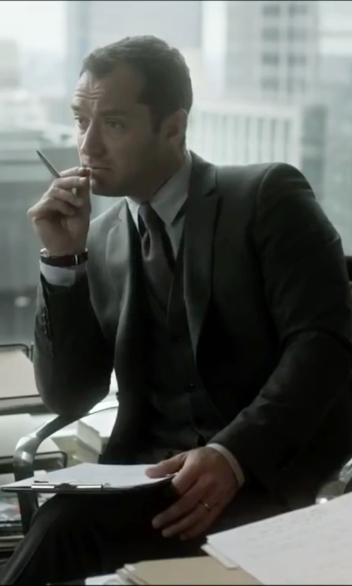 Jude Law with Boss Hugo Boss Three-Piece Suit in Side Effects