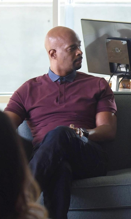 Damon Wayans with Apple Sport Watch in Lethal Weapon