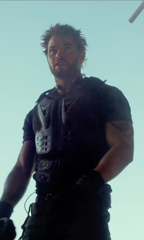 Kellan Lutz with Fox Racing 2015 Titan Sport Jacket in The Expendables 3