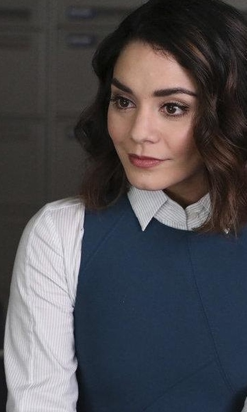 Vanessa Hudgens with Rails Aly Button Up Shirt in Powerless