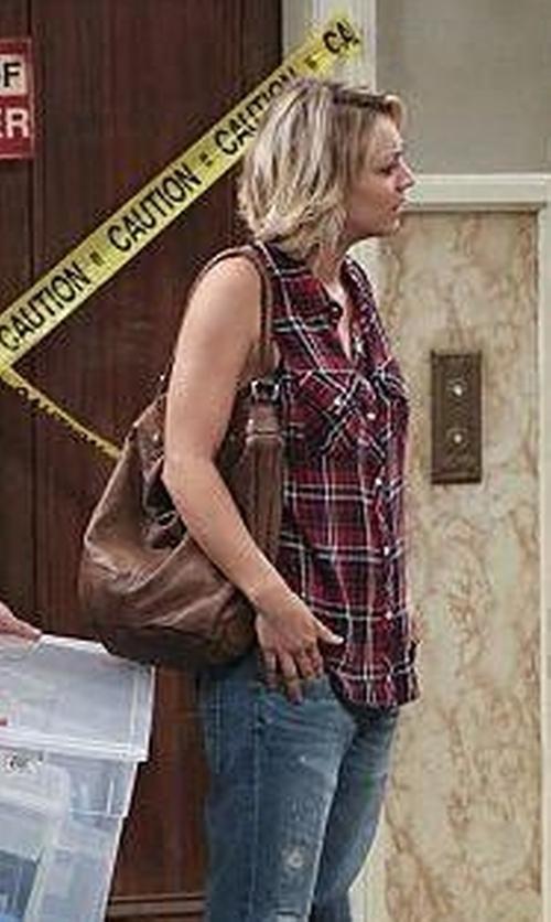 Kaley Cuoco-Sweeting with Kate Landry Bella Zip Hobo Bag in The Big Bang Theory