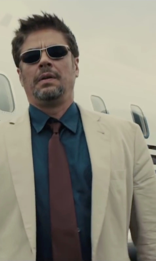 Benicio Del Toro with Canali Lapel Collar Suit in Sicario