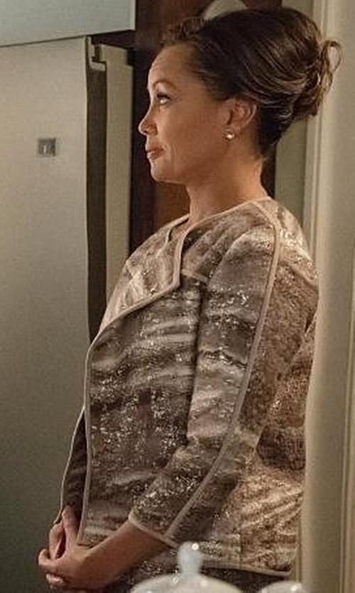 Vanessa Williams with Rena Lange Open Blazer in The Good Wife