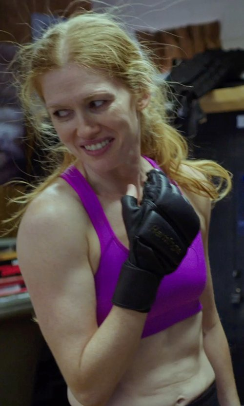 Mireille Enos with LULULEMON CANADA ENERGY BRA VIOLET in Sabotage