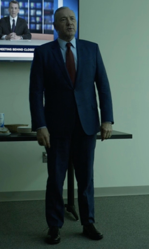 Kevin Spacey with Hugo Boss Custom Made Blue Notch Lapel Suit in House of Cards