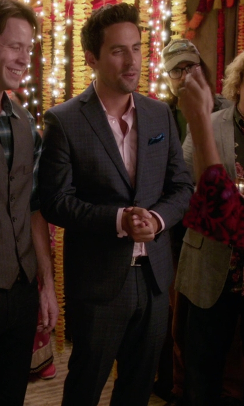 Ed Weeks with Yves Saint Laurent Wool 2-Button Suit in The Mindy Project