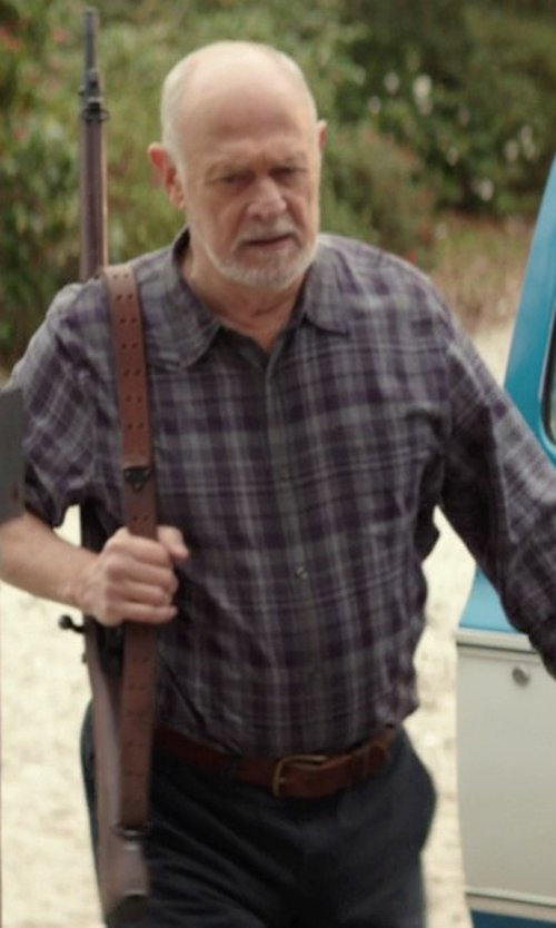 Gerald McRaney with Jean Shop Leather Belt in The Best of Me