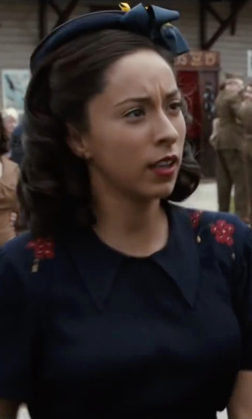 Oona Chaplin with Genie by Eugenia Kim Ribbon Bow Trim Devon Hat in The Longest Ride