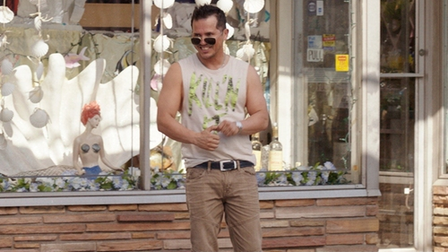 John Leguizamo with Guess Slim Tapered Moto Isotope Wash Jeans in Sisters
