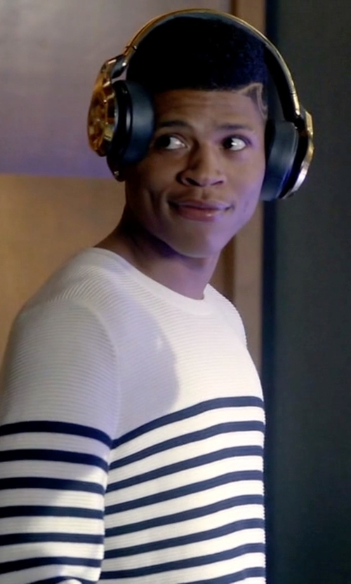 Bryshere Y. Gray with Monster Over-the-Ear DJ Headphones in Empire
