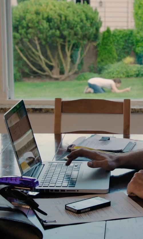 Sam Rockwell with Apple MacBook Pro Laptop in Laggies