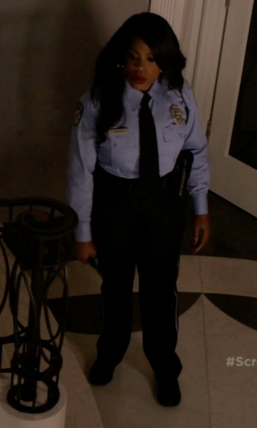 Niecy Nash with DKNY Mabel Oxford Shoes in Scream Queens