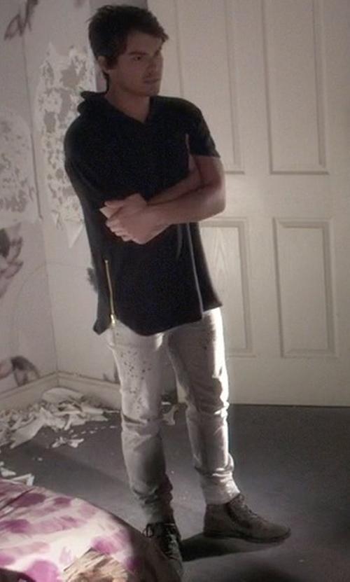 Tyler Blackburn with DSquared2 Sexy Twist Grey Wash Denim Jeans in Pretty Little Liars